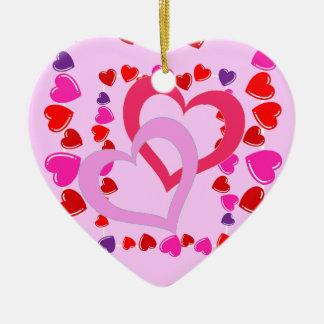 Enfeites de natal de flutuação dos corações