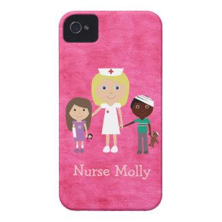 Enfermeira bonito e rosa das crianças