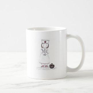 Enfermeira e gatinho caneca de café