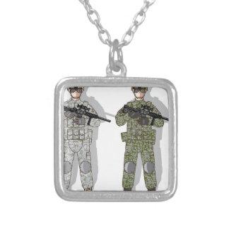 Engrenagem do cheio do soldado colar com pendente quadrado