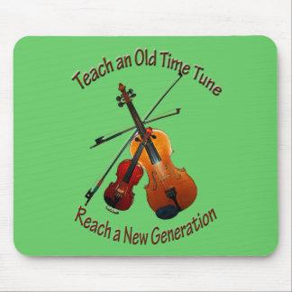 Ensine o tempo velho Mousepad