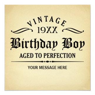 Envelhecido ao aniversário engraçado da perfeição convite quadrado 13.35 x 13.35cm