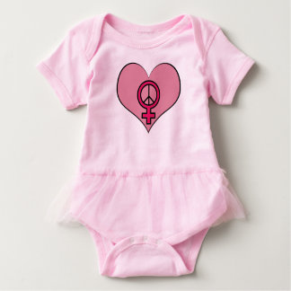 Equipamento feminista do bebê do coração do t-shirts