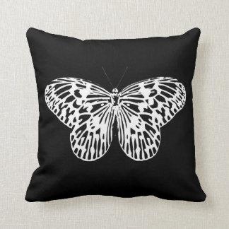 Esboço, branco e preto da borboleta travesseiros