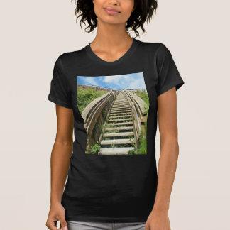 Escadaria à praia camisetas