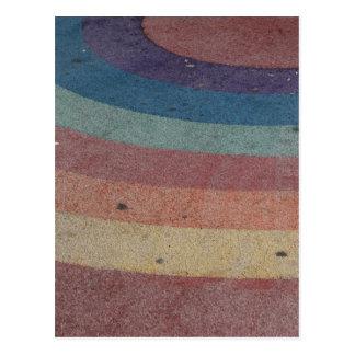 Escala desvanecida do arco-íris cartão postal
