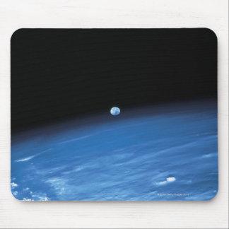 Espaço e a terra mousepad