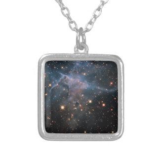 """Espaço profundo """"místico"""" da montanha de Hubble - Bijuteria"""