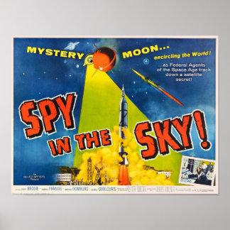 Espião no poster do céu