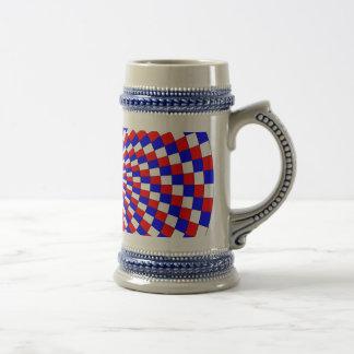 Espiral azul branca vermelha por Kenneth Yoncich Caneca De Cerveja