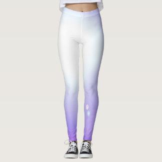 Esportes roxos do exercício da forma das legging