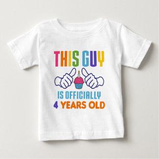 Esta cara oficialmente 4 anos velho t-shirts