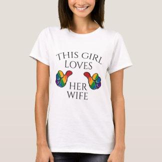 Esta menina ama sua esposa camisetas
