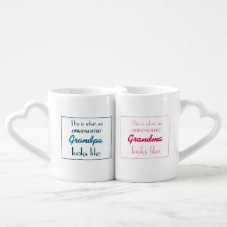 Este é o que as avós impressionantes olham como conjunto de caneca de café
