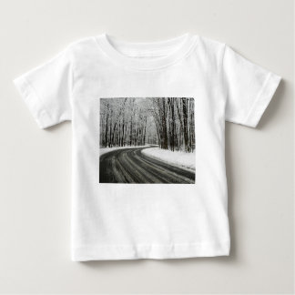 Estrada de enrolamento curvada neve tshirt