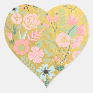 Etiqueta colorida do coração da folha de ouro das