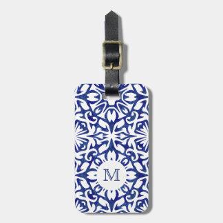 Etiqueta De Bagagem Monograma azul e branco do azulejo do espanhol da