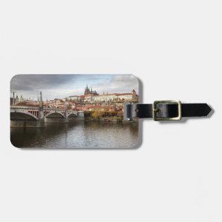 Etiqueta De Bagagem Um dia tormentoso na foto da lembrança de Praga