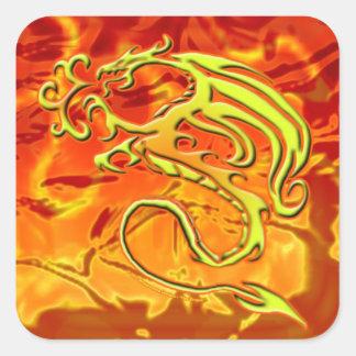 Etiqueta do dragão do fogo adesivo quadrado