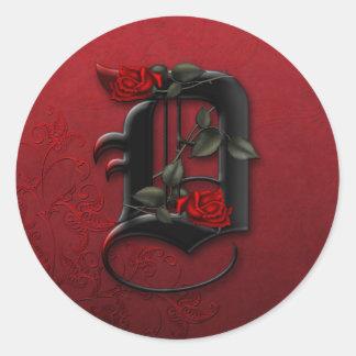 Etiqueta do monograma D do preto e da rosa Adesivo Em Formato Redondo
