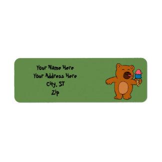 Etiqueta O urso dos desenhos animados come o sorvete