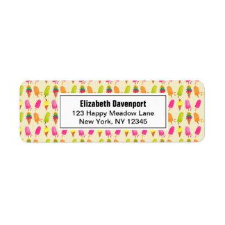 Etiqueta Popsicles e teste padrão colorido do verão do