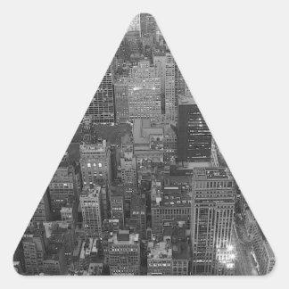 Etiqueta preta & branca do triângulo da Nova Adesivo Triangular