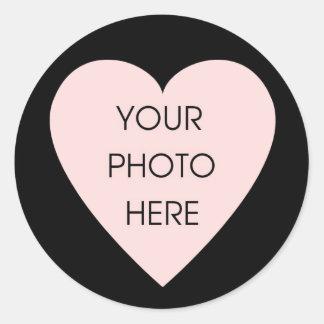 Etiqueta preta da beira do coração de adesivo redondo
