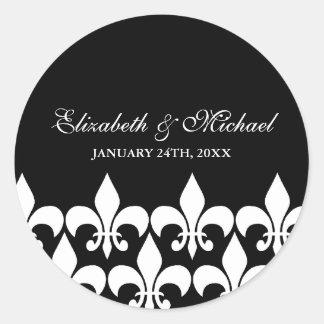 Etiqueta preto e branco do favor do casamento da f adesivo em formato redondo