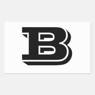 Etiquetas brancas da pia batismal da letra B