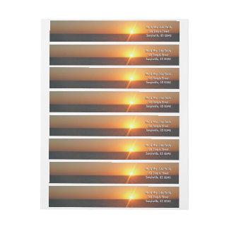Etiquetas Nascer do sol no Seascape do horizonte do oceano