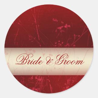Etiquetas vermelhos escuro dos noivos adesivo