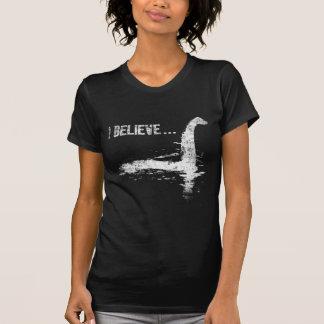 Eu acredito… o monstro de Loch Ness Tshirt