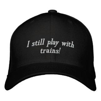 Eu ainda jogo com trens! bones bordados