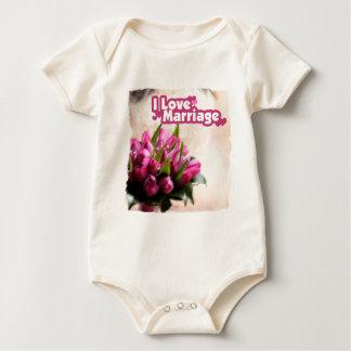 Eu amo flores bonitas do casamento macacãozinhos para bebê