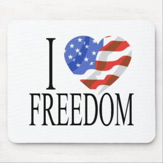 Eu amo o americano do coração da bandeira dos E.U. Mouse Pads