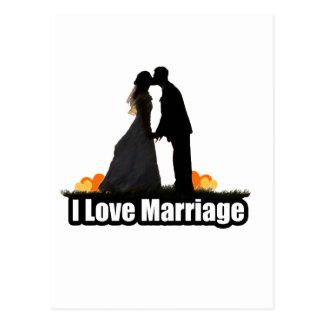 Eu amo o beijo do casamento a noiva cartão postal