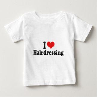 Eu amo o cabeleireiro camisetas