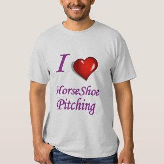 Eu amo o lançamento em ferradura. T básico da T-shirt