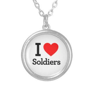 Eu amo soldados colar com pendente redondo
