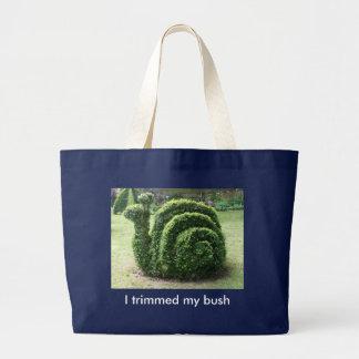 Eu aparei meu arbusto. Saco de bolsa verde do