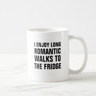 Eu aprecio caminhadas românticas longas ao caneca de café