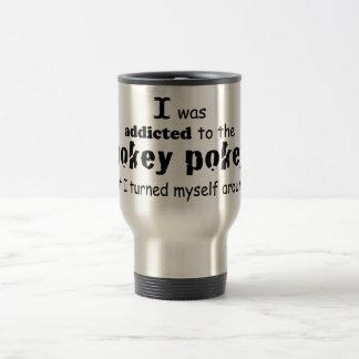 Eu era viciado às citações da tipografia do Pokey Caneca Térmica