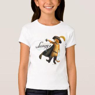 Eu flerto com perigo (a cor) camisetas