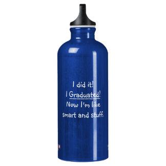 Eu graduei o dia de graduação engraçado das garrafa d'água