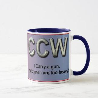 Eu levo uma arma. Os polícias são demasiado Caneca