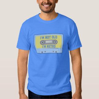 """""""Eu não sou idoso, mim sou retro """" T-shirt"""