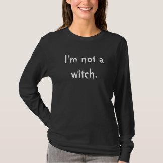 Eu não sou uma bruxa tshirts