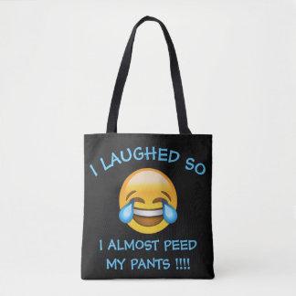 Eu ri assim que o duro fez xixi quase meu bolsa de