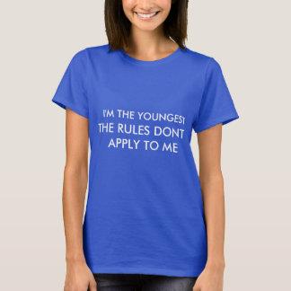 Eu sou O MAIS NOVO Camisetas